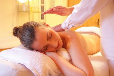Massagesessel Test: Klopfmassage
