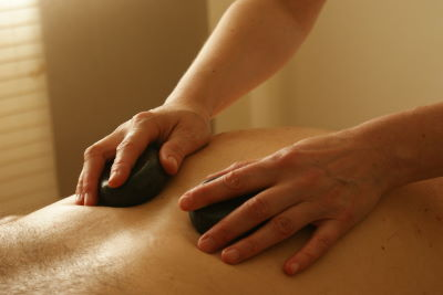 Rollenmassage im Massagesessel Test
